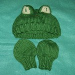 Ravelry: Baby Hand Socks pattern by Staci Perry