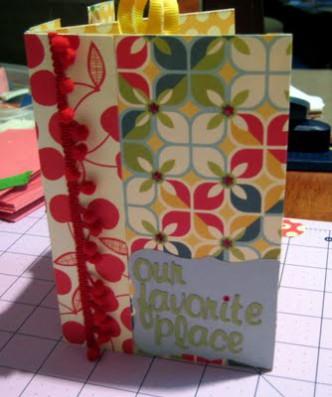 One Sheet Wonder Mini Scrapbook