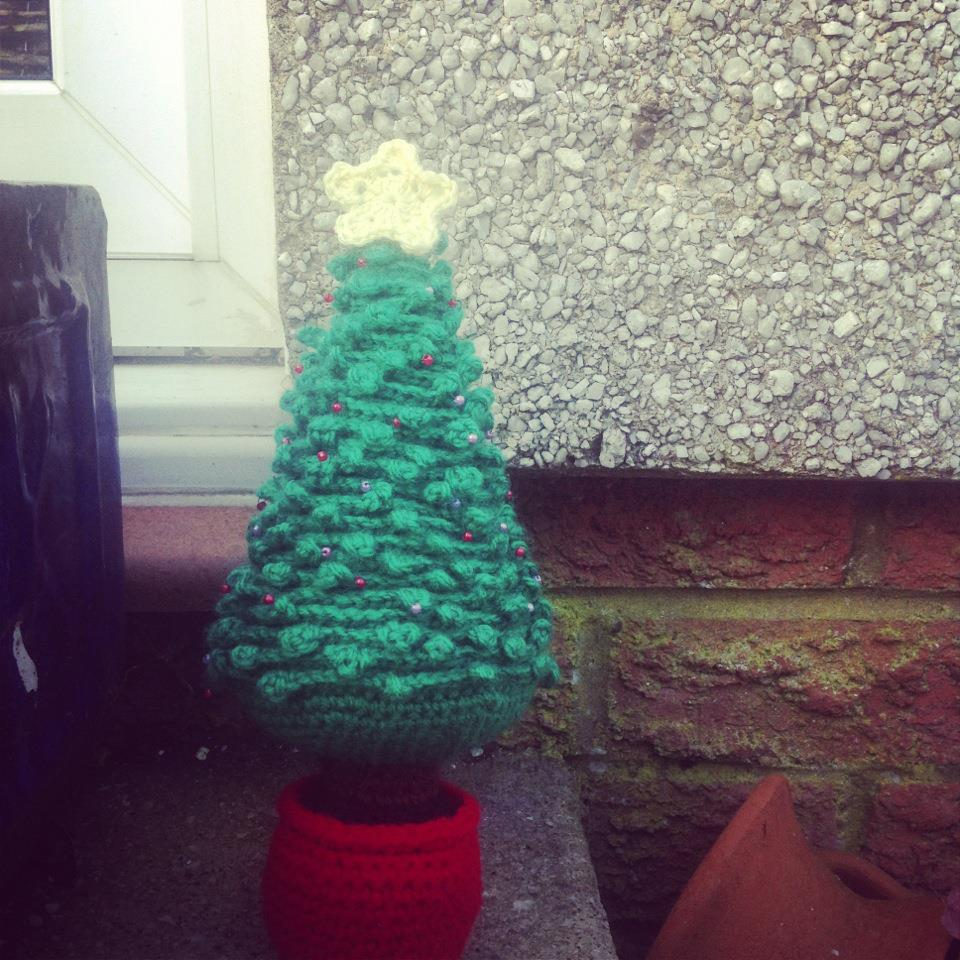Crochet Pattern For Xmas Tree : Free Crochet Christmas Tree Pattern ? AllCrafts Free ...