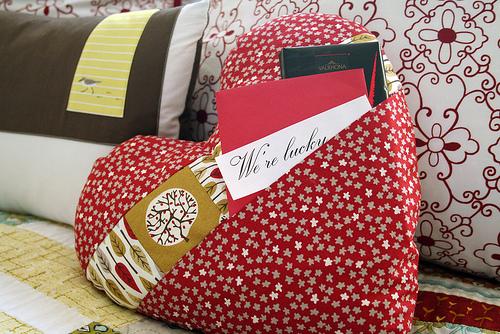 Pocket Full of Love Pillow Tute