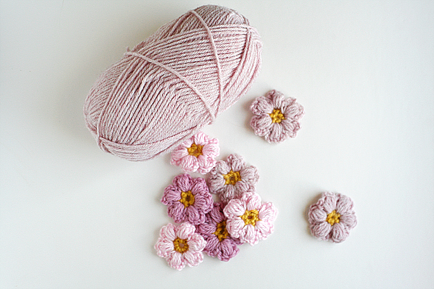 Free Crochet Pattern For Mollie Flowers : Mollie Flower Crochet Pattern ? AllCrafts Free Crafts Update
