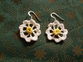 Daisy Daisy Free Crochet Earrings Pattern