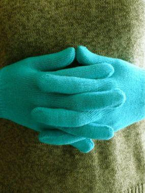 Make Hand-Warming Gloves