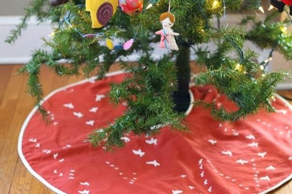 Easy Christmas Tree Skirt Sewing Tutorial