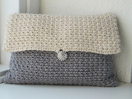 Crochet Clutch Bag Pattern : Free Clutch Purse Crochet Pattern - AllCrafts Free Crafts Update