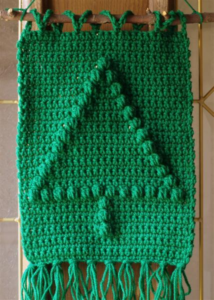 Crochet Christmas Tree Wall Hanging Pattern ? AllCrafts ...