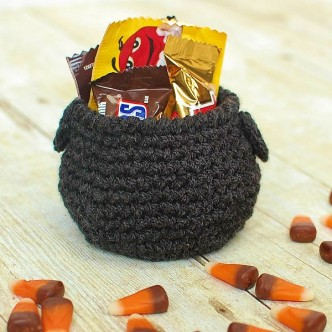 Cauldron Halloween Crochet Pattern