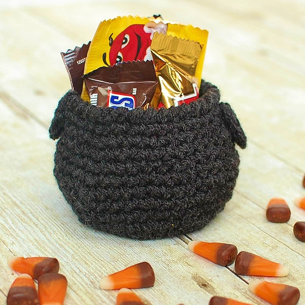 Cauldron Halloween Crochet Pattern