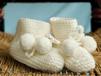 Pom-Pom Booties Knitting Pattern