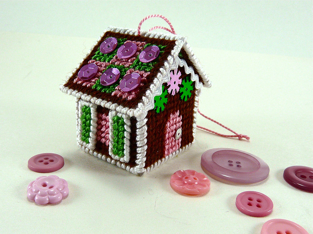 Plastic Canvas Gingerbread House Ornament