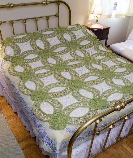 Free Crochet Wedding Ring Quilt Pattern : Wedding Ring Quilt Crochet Pattern ? AllCrafts Free Crafts ...