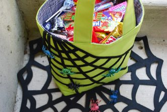 Clever Toy Spider Halloween Trick or Treat Bag