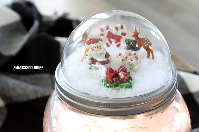 DIY Mason Jar Lid Snow Globe