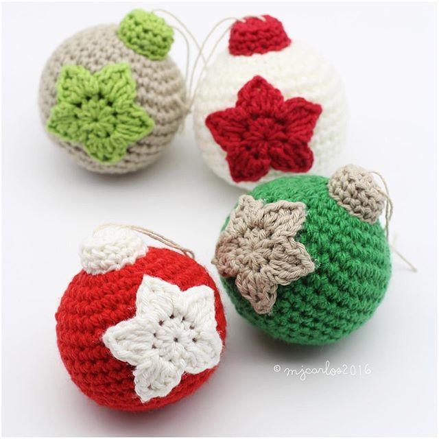 Crochet Christmas Baubles – Free Pattern