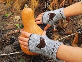 Mr. Fox Fingerless Mitts Crochet Pattern