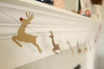 DIY Santa and Reindeer Garland