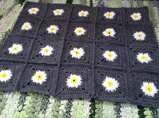 Daisy Square Blanket Crochet Pattern