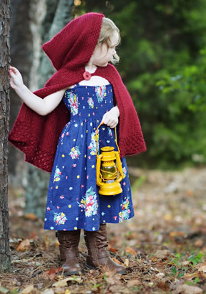 Girl's Hooded Cape Knitting Pattern