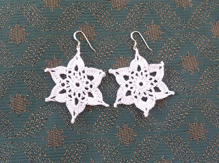 Snowflake Earrings Free Crochet Pattern
