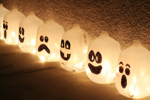Ghost Jugs Halloween Lights